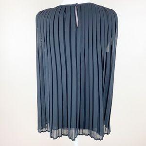 Zara Tops - NWOT. Zara Black Top. Size M.